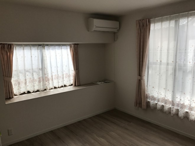 洋室 カーテン